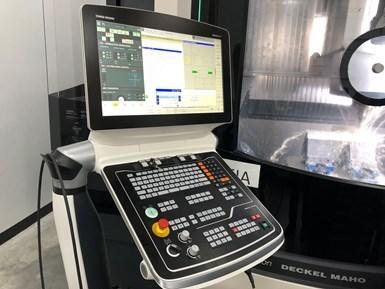 El taller utiliza controles Heidenhain para todas sus fresadoras de cinco ejes.