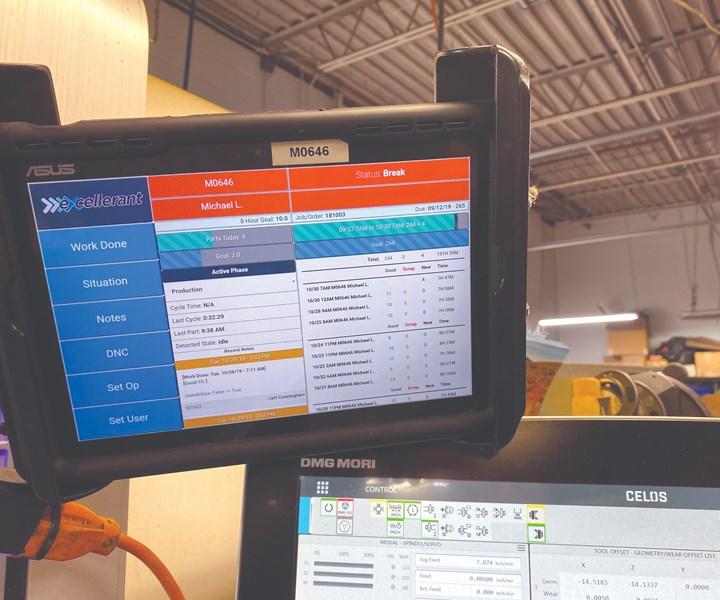 Las tablets en cada estación de trabajo les proporcionan a los operadores un medio para rastrear el progreso, ingresar los motivos de los tiempos muertos y comunicarse con el resto del taller.