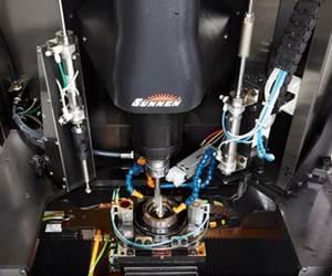 Según Sunnen, el bruñido generalmente se requiere para lograr tolerancias de diámetro de agujero de ± 0.0002 pulgadas o más con acabados superficiales de alta calidad. (Fotos cortesía de Sunnen).