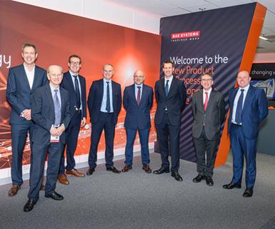 Miembros del equipo de Renishaw visitan el Centro de Desarrollo de Nuevos Productosde BAE Systems enSamlesbury, Inglaterra.