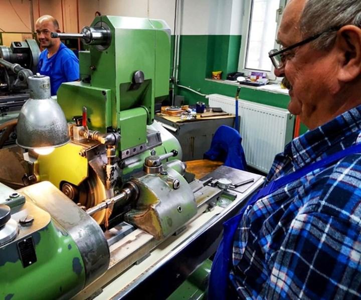 Las herramientas de calidad para los tornos tipo suizo se producen de la misma forma en que lo hicieron los fabricantes originales. Foto:UniParts.