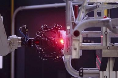 El sistema Creaform MetraSCAN-R es utilizado en la medición automatizadade armaduras tubulares en rejilla complejas para el BMW Mini Cooper SE.