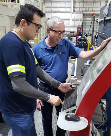 Para el proceso de mecanizado, Frisa cuentacon un sistema diseñado por ellos mismos, donde todos los tornos están conectados y se les puede medir la utilización del husillo y las mejoras de los procesos.
