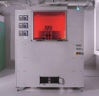 Sistema de inyección multimaterial de componentes de alto rendimiento con propiedades o funciones combinadas.