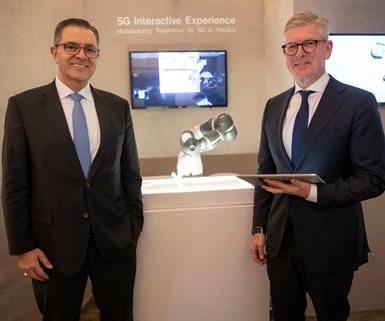 Sami Atiya, presidente del negocio de Robótica y Automatización Discreta de ABB; y Börje Ekholm, CEO de Ericsson. Foto: ABB.