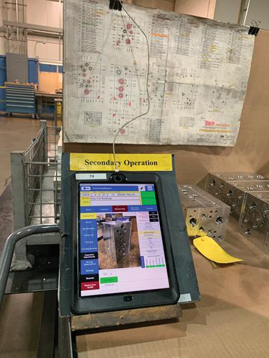 Cada máquina Mazak tiene su propio iPad con acceso al sistema de gestión de talleres propio, FilePro.