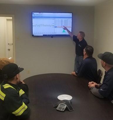 El MeasurLink muestra los datos de medición para el control estadístico de procesos (SPC), analiza escenarios hipotéticos con datos históricos y hace que el proceso de control de calidad de Pinnacle sea más eficiente y preciso.