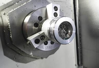 Para las piezas de ensamblaje del cubo de la hélice, que solían tardar meses cuando se subcontrataban, Whirlwind Propellers ahora las mecaniza en aproximadamente 10 horas en total en el Integrex i-200S.