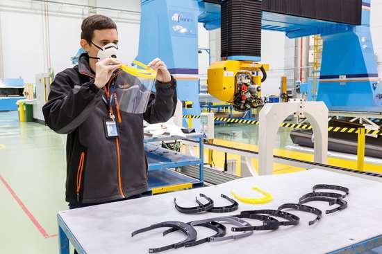 Ya se han producido y enviado cientos de viseras a hospitales cercanos a las instalaciones de Airbus en España