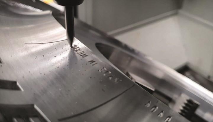 La combinación entre el software CAM y los cinco ejes simultáneos le permitieron a Molrio ahorros en herramientas y reducciones significativas en los tiempos de producción de segmentos de moldes para llantas.