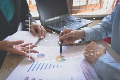 PwC refiereque la industria manufacturera debe considerar siete aspectos antes de entrar en un programa de comercio electrónico.