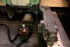 La mesa modelo MEF-100, de Schunk, está fabricada en acero inoxidable con rectificado en caras. Completamente sellada para poder sumergirse en el tanque de la máquina electroerosionadora, cuenta con dos versiones para poder sujetar piezas desde 20 x 20 mm.