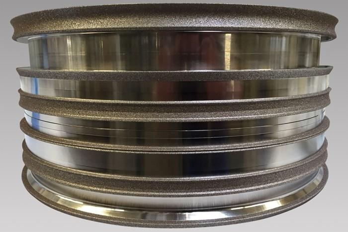 Saint-Gobain Abrasives recomienda sus muelas galvánicas Norton Winter Aeon para aplicaciones de alta precisiónen industrias como automotriz, médico y aeroespacial.