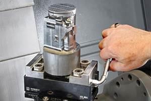 El sistema de sujeción PC 80, de Roemheld, cuenta con un diseño rígido, totalmente de acero, e incluye mordazas de sujeción con una característica de agarre dentada en forma de cola de milano.