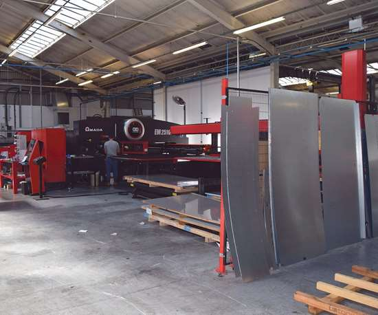 Amada EM 2510 punch press and sheet loader