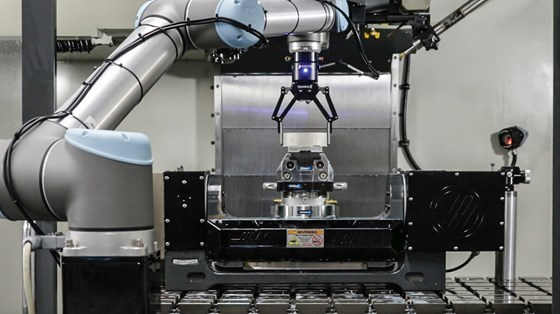 cobot loading a machine tool