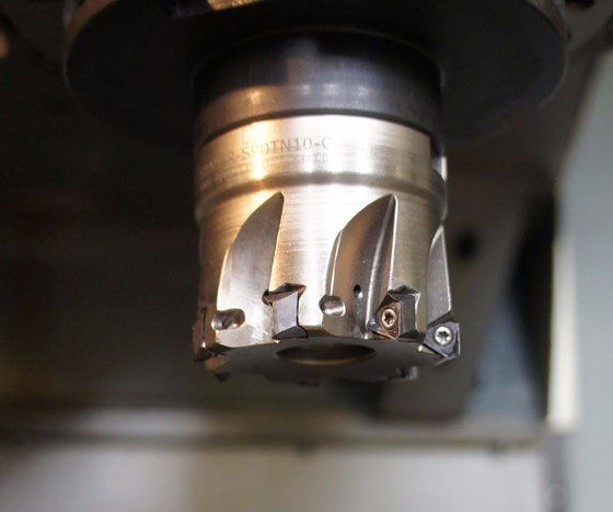Eco shoulder-milling tool with new TNGX 10 inserts