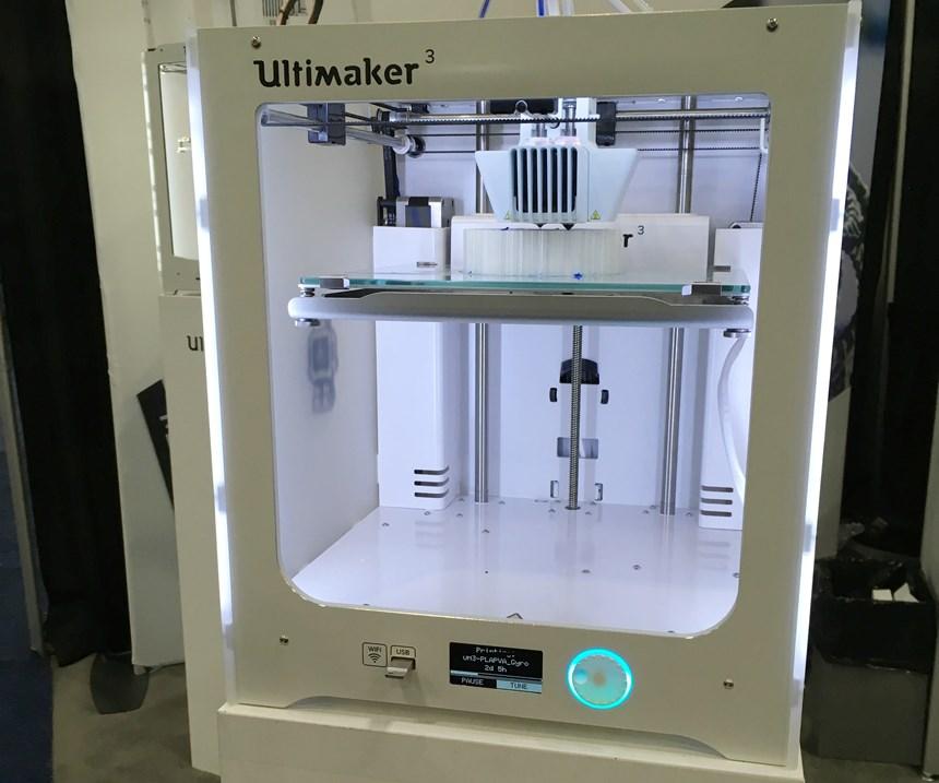 Ultimaker 3 fused filament fabrication 3D printer