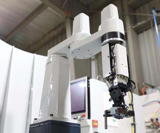 Tool-loading robot
