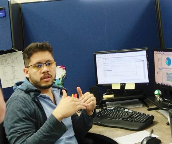 Luis Hernandez analyzes machine data
