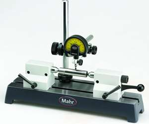 bench centers with a readout device for measuring roundness