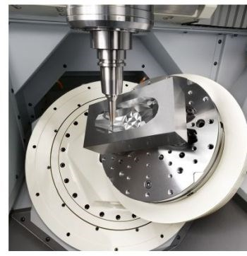 Makino D200Z five-axis machining center