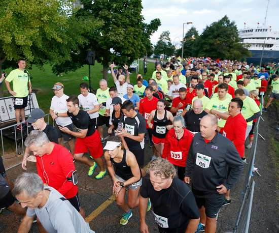 runners at the starting line for M4M 5K