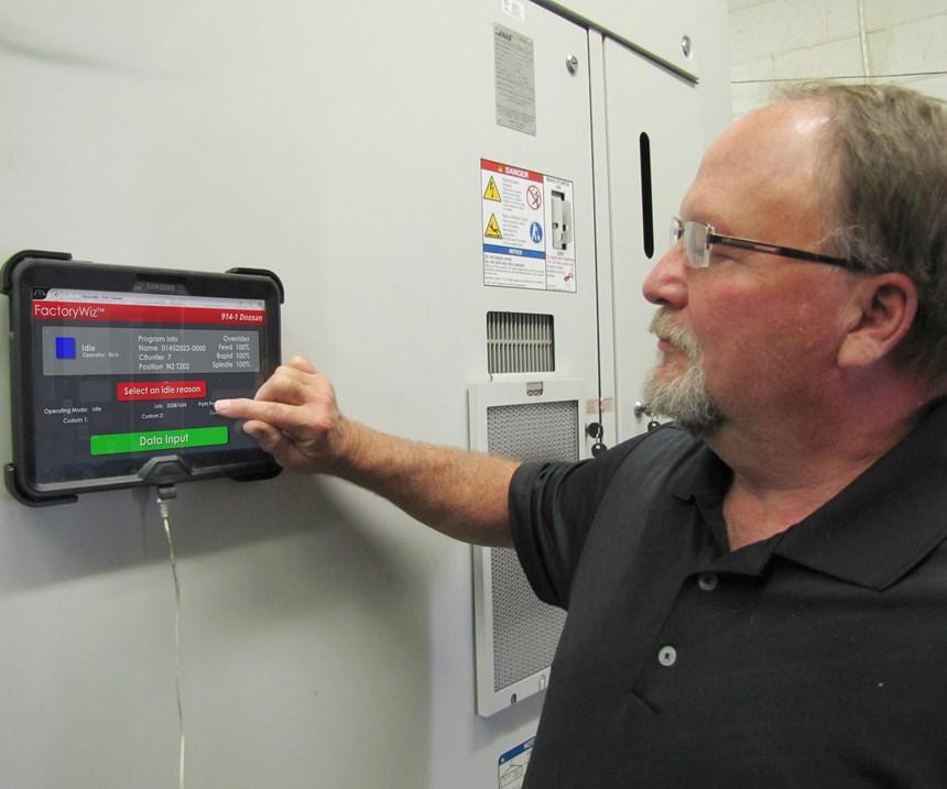 operator tablet at workstation