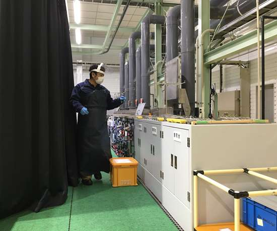 Fluorescent penetrant inspection (FPI) line at AeroEdge