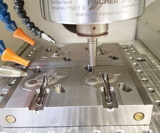 mold part in a milling machine