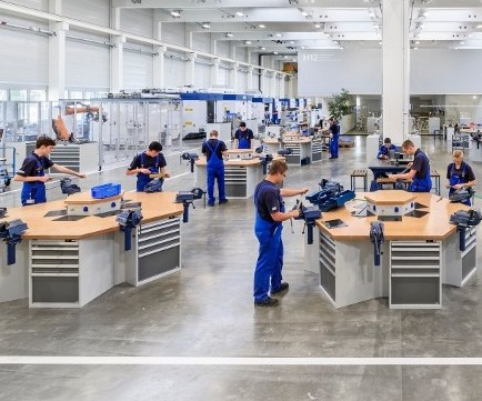 Machine tool supplier Grob's apprenticeship facilities in Mindelheim, Germany
