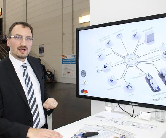 Josef Dechant, Maschinenfabrik Reinhausen, about ValueFacturing, an in-house assistance system.