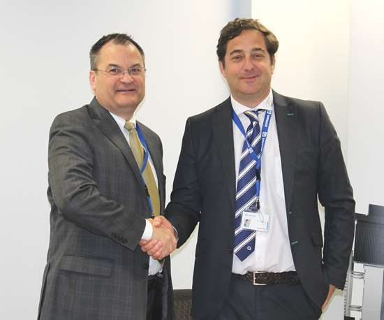 Rafael Idigoras, Managing Director of Soraluce(right) andChris Stine, Exec. Vice President of Morris Group