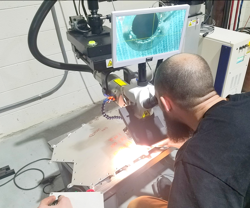 using a fiber laser to repair a plastics injection mold