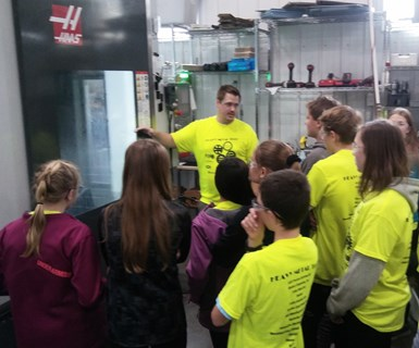 manufacturing tour with 8th graders