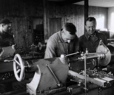 old photo of a lathe