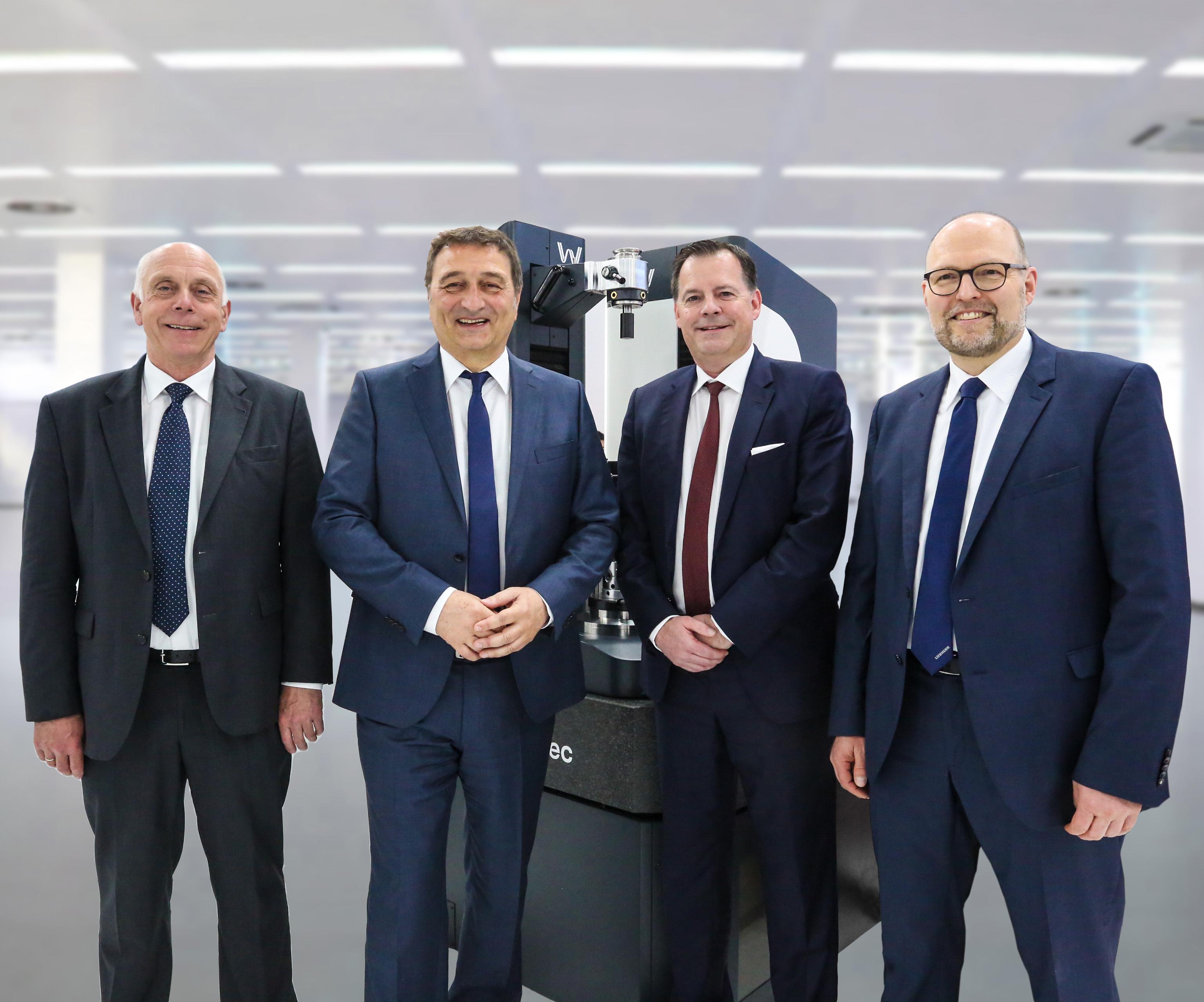 Left to right: Mr. Heinrich Bruederle (Wenzel GearTec), Dr. Christian Lang (Liebherr-Verzahntechnik GmbH), Frank Wenzel (Wenzel GearTec), Dr. Hans Gronbach (Liebherr-Verzahntechnik GmbH)