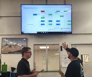 CNC machine monitoring data display