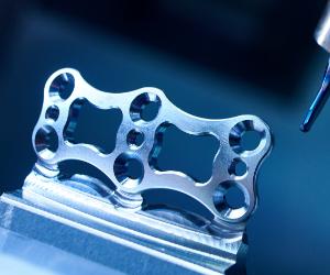 titanium bone plate