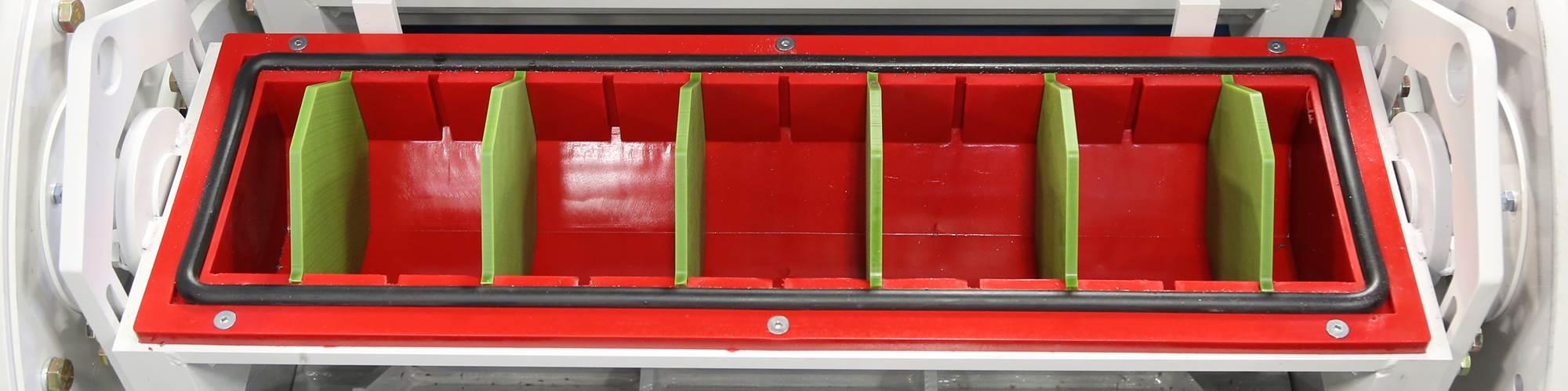 Máquinas de acabado con barril de alta energía desbarban eficientemente partes complejas