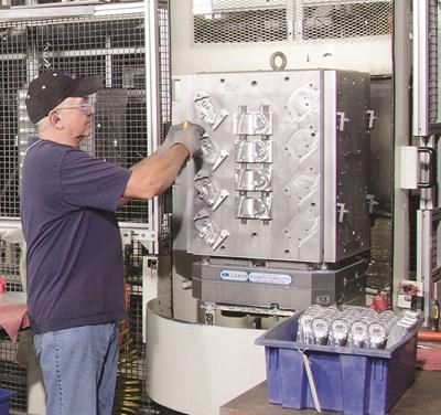 Loading parts on Makino MMC2 machining cell