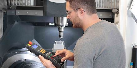 5 Common Mistakes When Using CNC Machines image