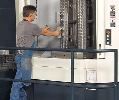 An HMC with a pallet changer and modular fixturing system