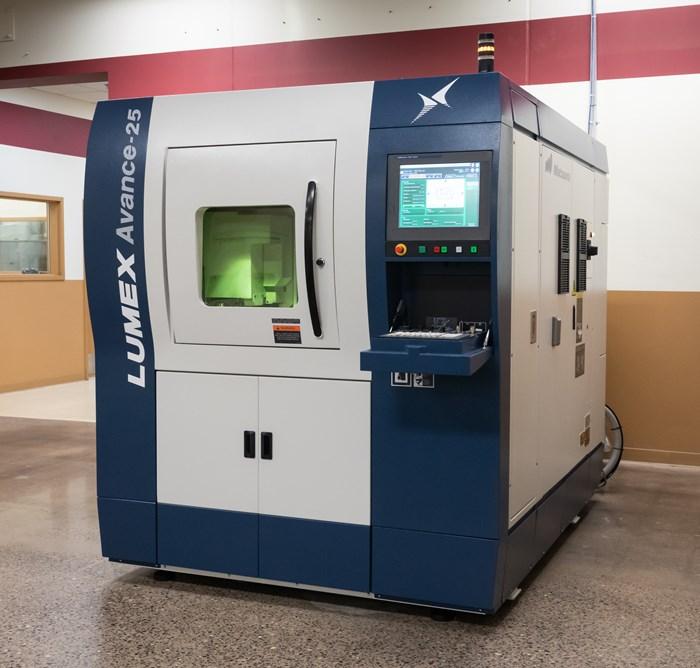 Máquina fresadora híbrida mejora los tiempos de ciclo y la producción de partes
