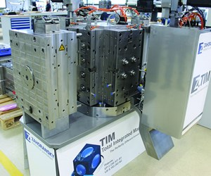 Data-driven mold manufacturing organization with touch screens.
