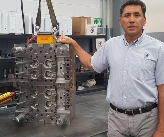 Antonio Mendoza, president of Moldes Mendoza.