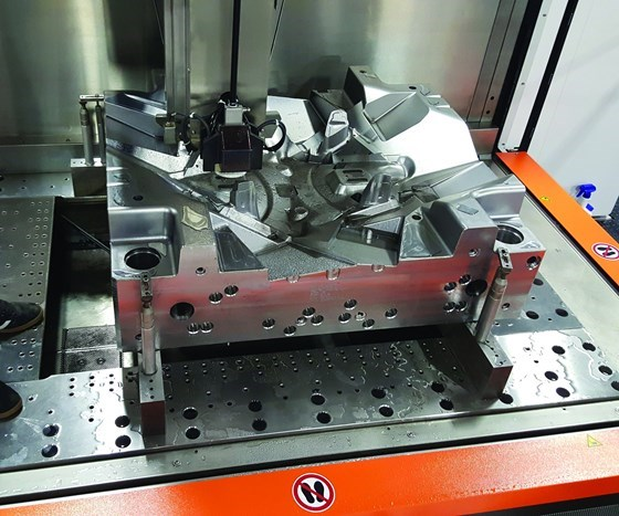 setup of a mold in Extreme Wire EDM Services' extra-large AgieCharmilles CUT P 1250 wire EDM unit from GF Machining Solutions