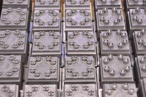 Series of electrodes for a 32-cavity mold