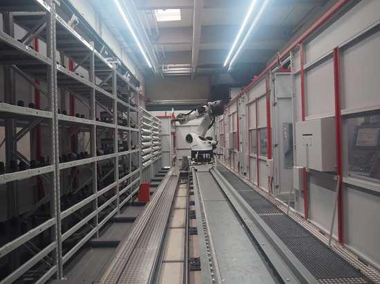 Hofmann's automated milling line includes four Hermle C42U machines