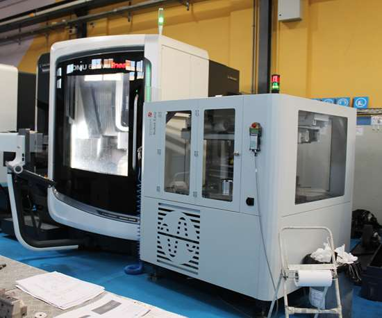 Moldmakers invest in 5-axis machines
